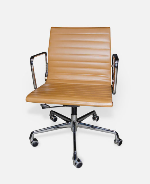 Office chair EA 117, Aluminium Group, Charles + Ray Eames