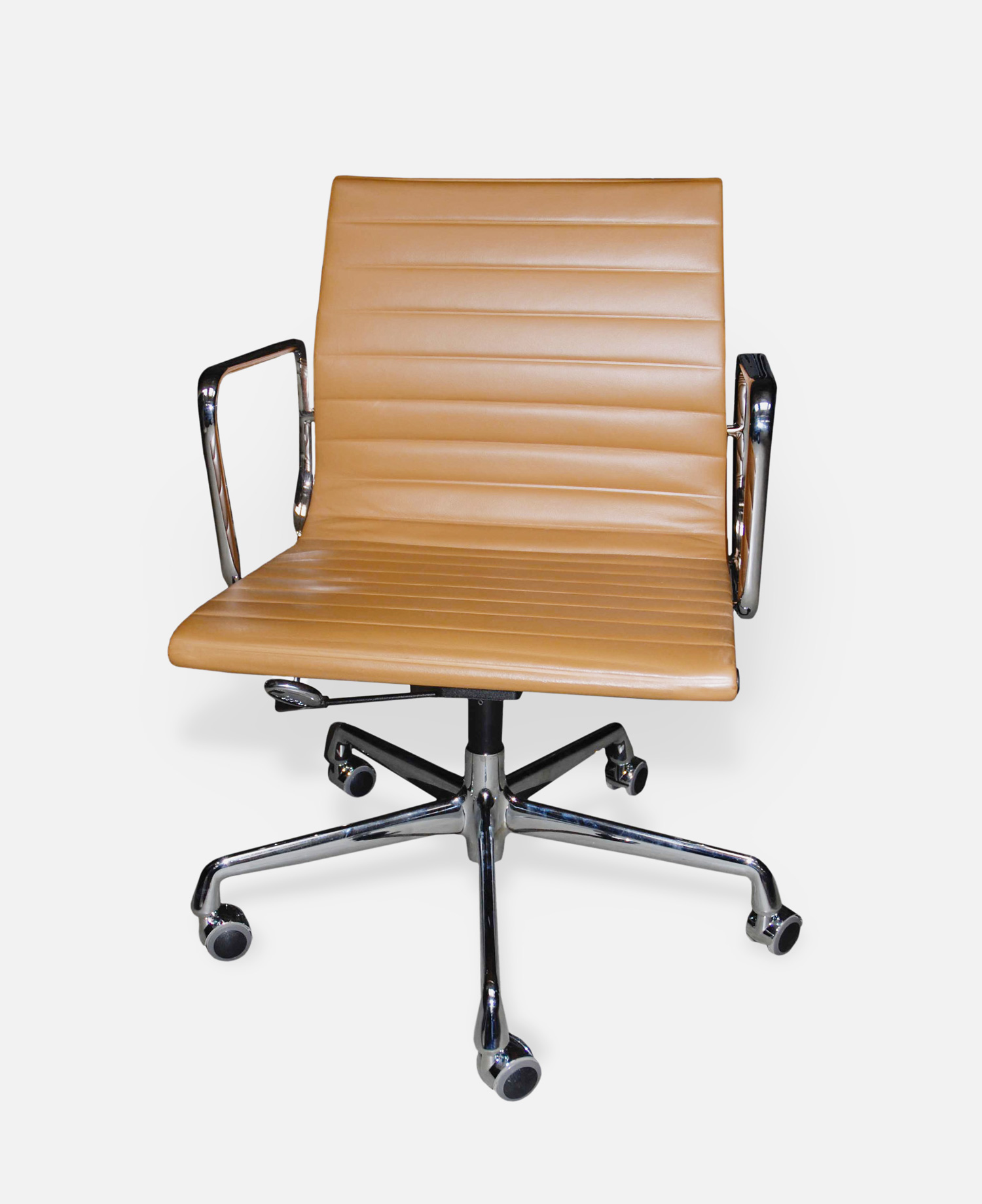 Office chair ea 117 aluminium group charles ray eames for Eames ea 117 replica